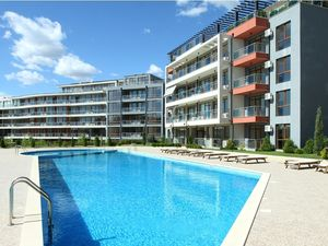 lovely one bedroom apartment meters from the beach