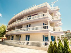 Large studio apartment in Nessebar, 30 m from the beach