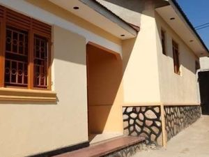 BWEYOGERERE executive self contained double room house @230k