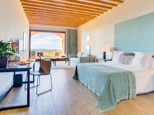 Package offer of three four-star hotels in Spain.