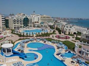 1 BED apartment, 82 sq.m., in Sunset Resort 5***** (Pomorie)