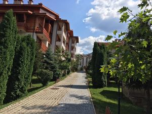 LUXURY GARDEN-VIEW ONE-BEDROOM APARTMENT (FURNISHED, BANSKO