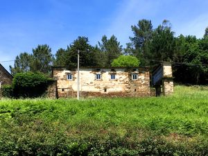 Stone house for sale in northern Spain