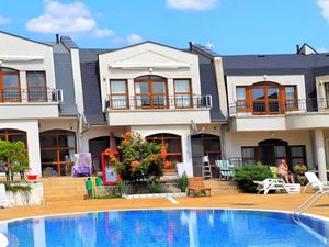 Spacious two-bedroom apartment in Kosharitsa, Sunny beach