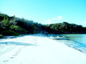 RESIDENTIAL-COMMERCIAL APPROVED BAHAMAS BEACHFRONT PROPERTY