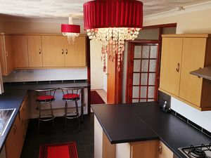 Modern Freehold 3 Bed Detached Bungalow for Sale
