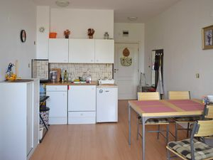 Sunny 1 BED apartment, 49 sq.m., 10 min to the beach