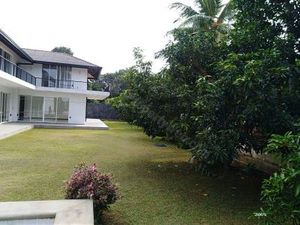 SALE OF HOUSE AND LAND CLOSE TO COLOMBO SRI LANKA