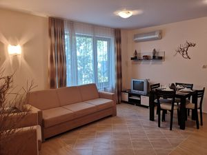 1st Line to the beach! 1-Bedroom apartment in Golden Beach