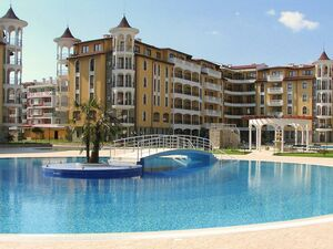 1 BED apartment with pool view in top class Royal Sun