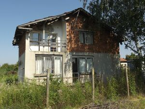 Rural property with great views 10 km from spa resort town