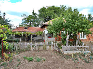 SOLD !!! Cheap house in hilly area, 5 min from a town