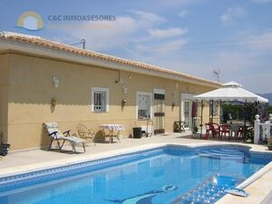 Villa 200m2 built with private pool