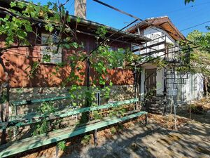 House with 4+ bedrooms, 2 bathrooms, 20 km to Sunny Beach