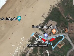 Fantastic location plot on the Nazaré beach 70m from the sea