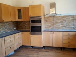 A partly renovated 2-3 bedrooms house with stunning mountain