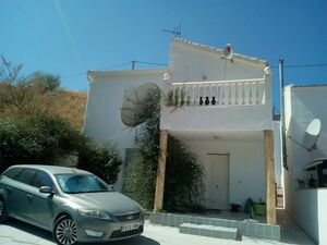 Beautiful property close to the town. FLCR100