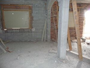 Cave house for renovation. 49950