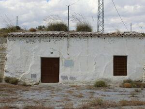 Cave house with an olive grove. MATBLM