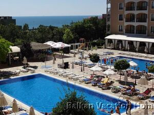 Large One Bed Room Seafront Apartment in  Golden Sands