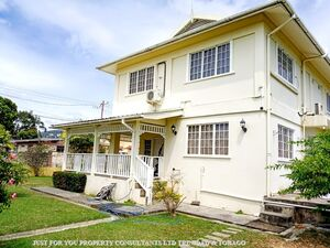 4 BR House for Sale