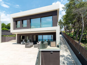 8 Bed Villa for sale Barcelona, Spain