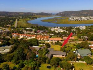 Family Home Situated in Knysna with magnificient Lagoon View