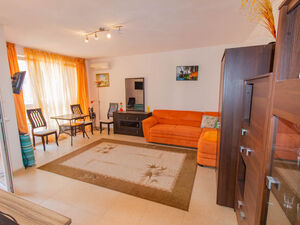 VIDEO! Studio only 200 m to the beach in Pomorie
