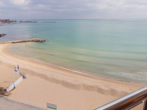 FIRST LINE SEA/POOL view 3-BED, 2-BATH apartment in Mirage