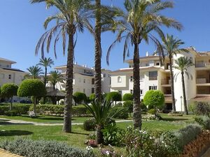Sunny 2 bedroom Penthouse in Phase 1 of La Cala Hills