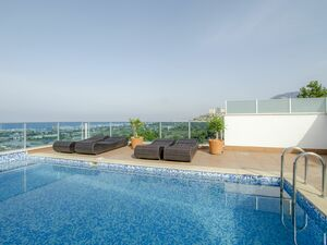 an amazing villa with   Sea view  and the fortress of Alanya