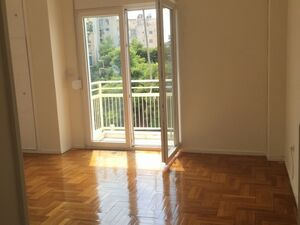 Apartment for sale in Polygono, Athens
