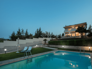A spectacular villa offered for sale in Markopoulos