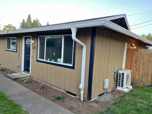 Crisp 2 beds 1 bath house for rent in Vancouver