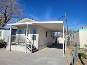 Beautiful 1 bed 1 bath house for sale in Lancaster