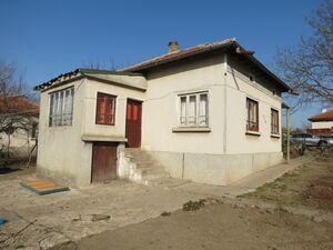 Country house with annex situated half an hour away from sea