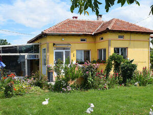 2 BED house with beautiful garden near Dobrich (Bulgaria)