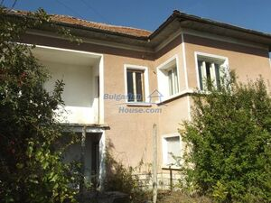 Rural house with nice views near forest lake 15 km from Vrat