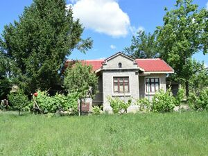 Detached house with large plot of land – 6000 sq.m.