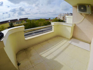 2 BED spacious apartment with sea views, 100 m the beach