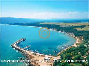 Plots of building land for sea, culture, winetasting tourism