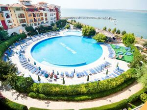 First line furnished one bedroom apartment SEA VIEW