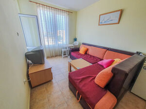 Bargain! Apartment with 2 bedrooms in Sunny Day 2