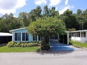Beautiful 2 bed 2 bath house for sale in Lady Lake