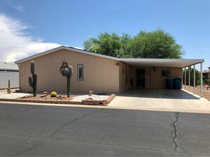 Comfortable 3 bed 2 baths house for sale in Apache Junction