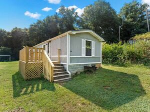 Beautiful 2 beds 1 bath home for sale in Greenville