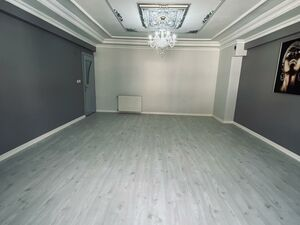 3 BEDROOOM APARTMENT AT CENTER WITH NEW INTERIOR
