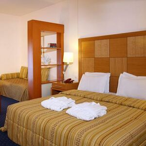 """Hotel """"four stars"""", in the city of Thessaloniki."""