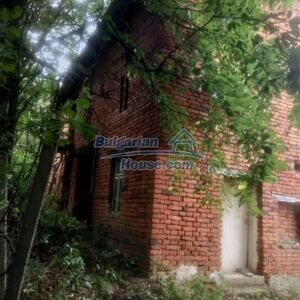 Brick built Bulgarian property in Pleven close to lake