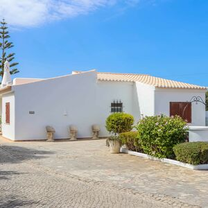 Large Villa with 4 bedrooms lots of privacy private pool
